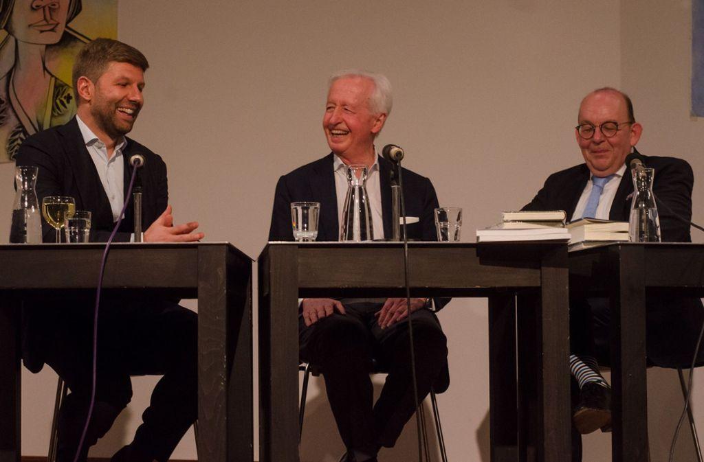Thomas Hitzlsperger, Péter Horváth und Denis Scheck (v.l.) im Literaturhaus Stuttgart. Foto: Simon Adolphi