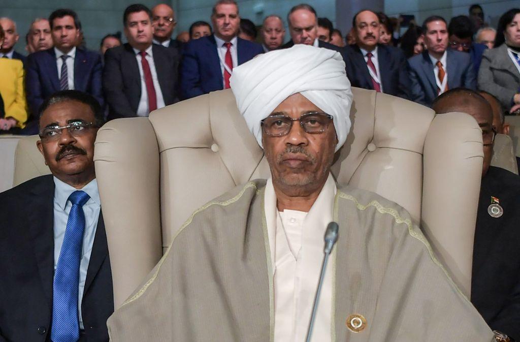 Sudans Präsident Al-Baschir ist gestürzt. Wer regiert künftig das Land? Foto: AFP