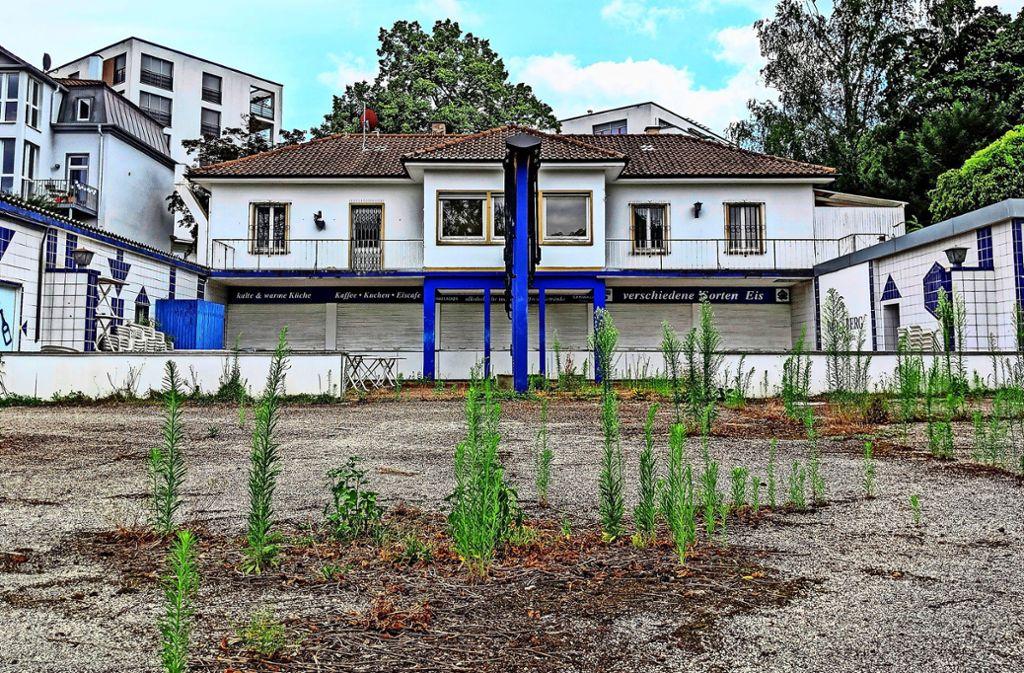 Der Beschluss für den Abriss der Villa und den Bau eines neuen Gebäudes für die Bad-Berg-Sommergastronomie soll im Laufe des kommenden Jahres gefasst werden. Foto: Jürgen Brand