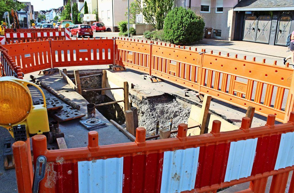 Wie lang auf der Plieninger Straße noch gebaut werden muss, ist ungewiss. Foto: J.  Fritsch