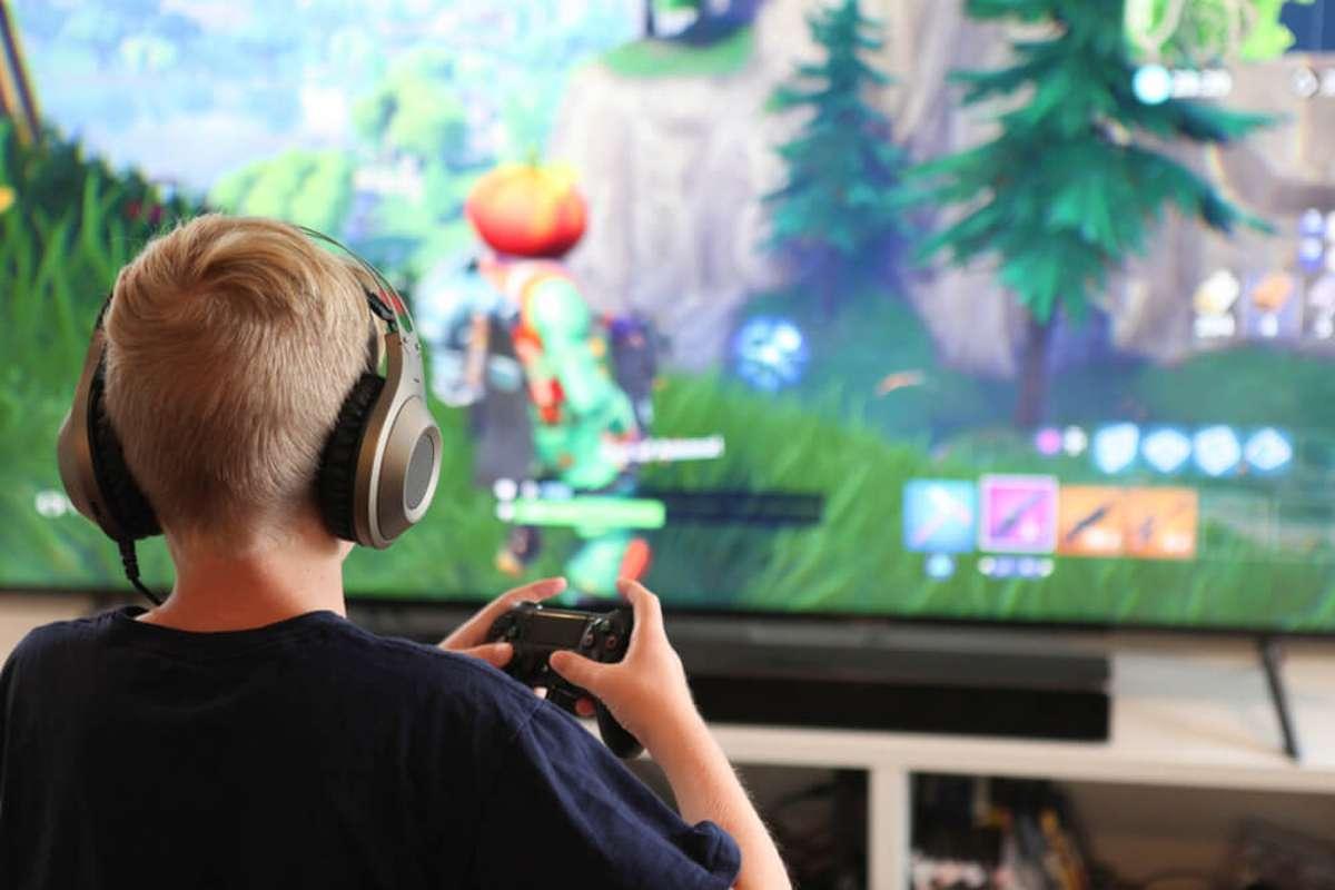 Das Spiel begeistert schon die Jüngsten. Foto: Jennie Book / shutterstock.com