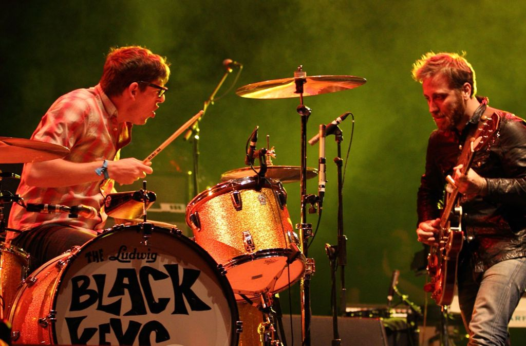 Dan Auerbach (re.) und Patrick Carney bilden The Black Keys – hier beim Coachella Music and Arts Festival 2011 Foto: dpa