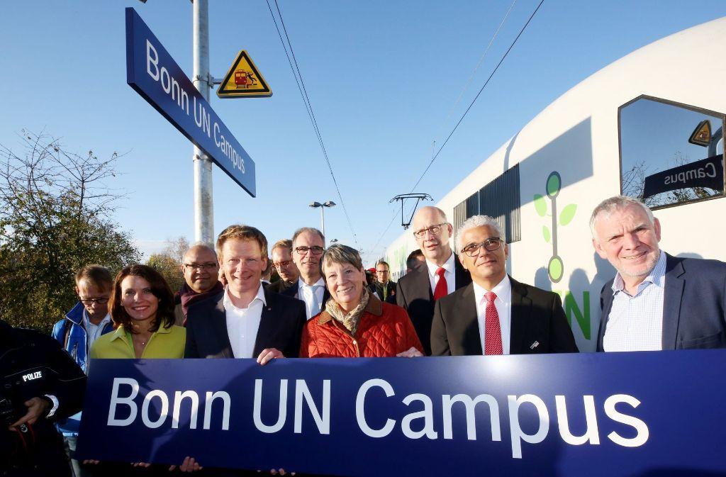Umweltministerin Barbara Hendricks ist mit dem Zug zur Klimakonferenz in Bonn gereist. Foto: dpa