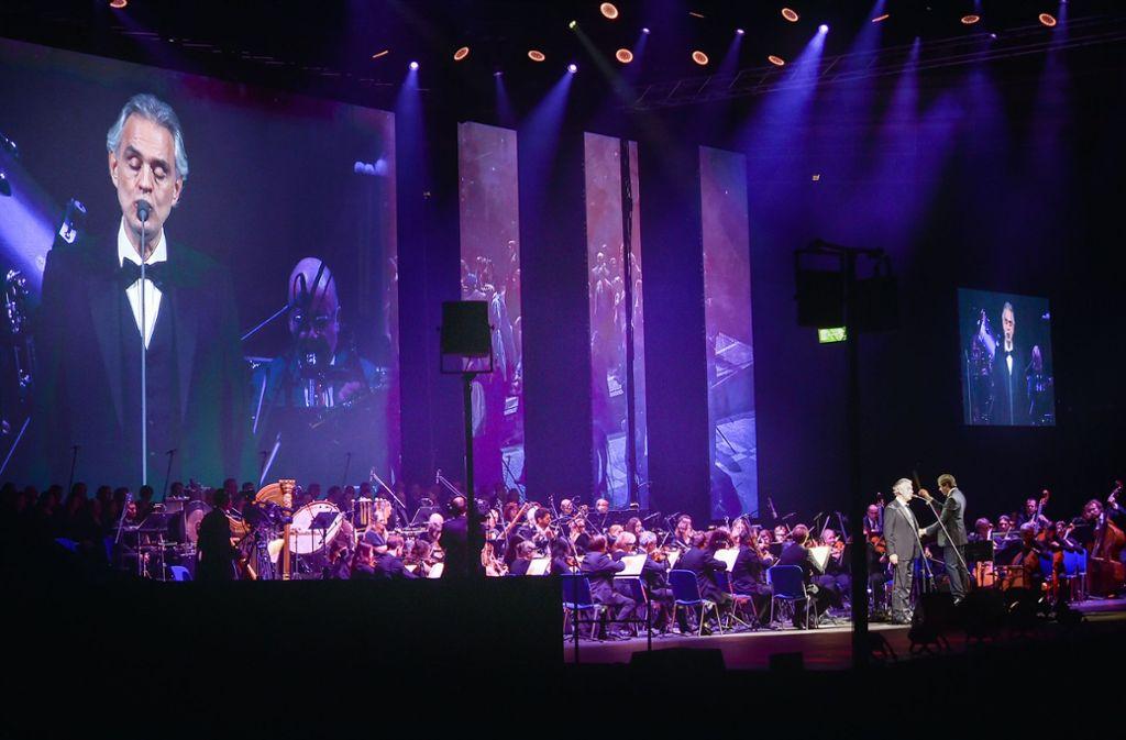 Am Freitagabend hat Andrea Bocelli in der Schleyerhalle das Stuttgarter Publikum in den Bann gezogen. Foto: Ferdinando Iannone©