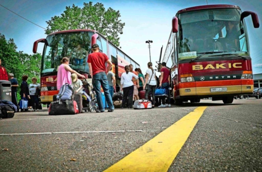 Vom Fernomnibusbahnhof in Obertürkheim starten die Busse in die Länder des Westbalkans. Foto: Lichtgut/Achim Zweygarth