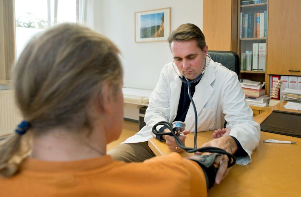 Viele Ärzte tun sich schwer mit informierten Patienten. Foto: dpa