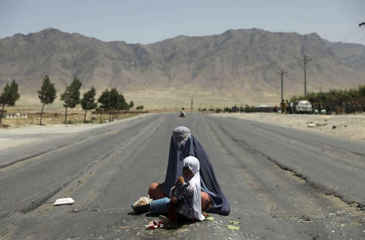 Insgesamt sind etwa 3,5 Millionen Afghanen auf der Flucht vor den Taliban. Foto: dpa/Rahmat Gul