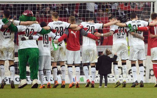 Von Adidas bis Jako – so haben sich die VfB-Trikots verändert