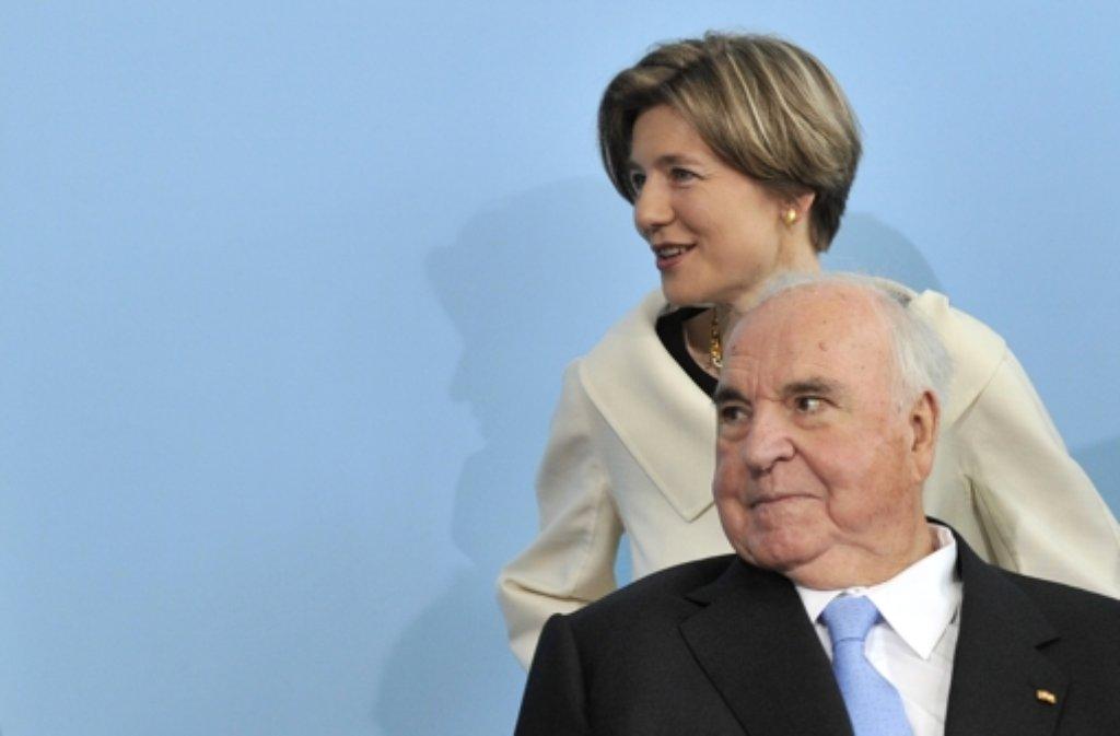 Altkanzler Helmut Kohl mit seiner Frau Maike Kohl-Richter Foto: dpa
