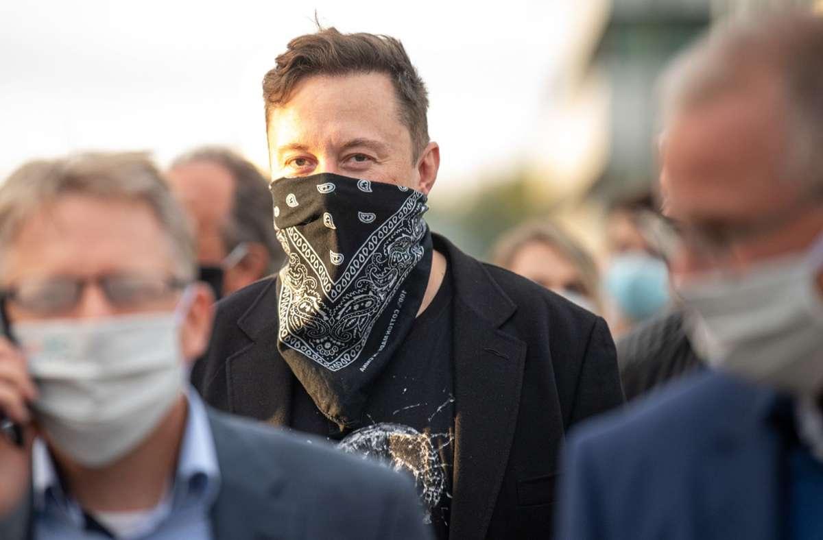Elon Musk bot dem 14-Jährigen ein Praktikumsplatz an, allerdings muss Tesla-Fan Silas Heineken noch eine Bewerbung schreiben. Foto: dpa/Sebastian Gollnow