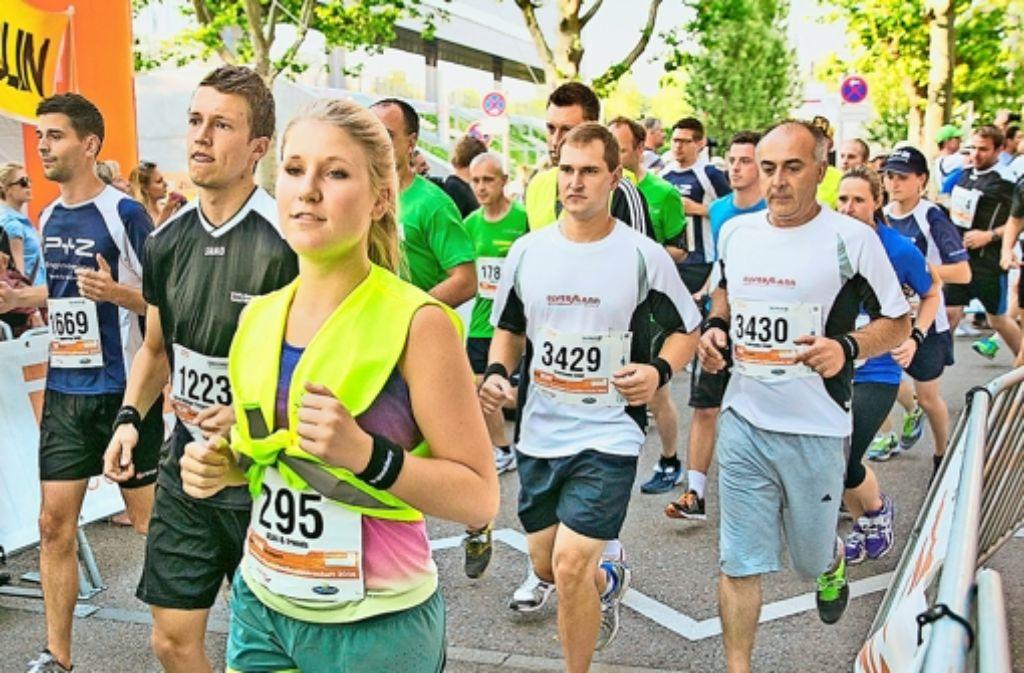 Tausende von Läufern sind am Donnerstag in Sichtweite des Stadions gerannt. Foto: Rudel