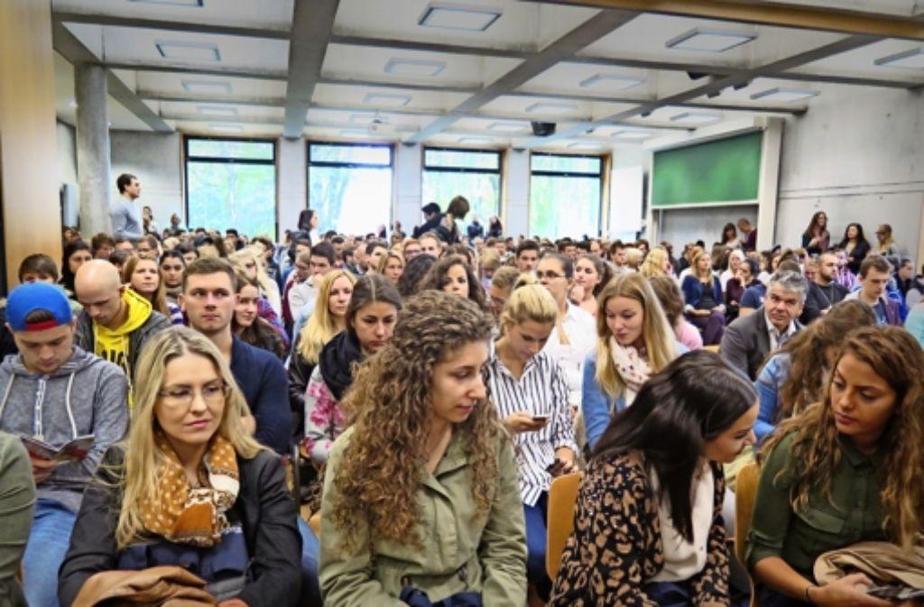 Auch Geislinger Studenten können sich für das neue Promotionskolleg im Studiengang Automobilwirtschaft an ihrer Hochschule bewerben, das gemeinsam mit der Technischen Universität München zur Doktorwürde führt. Foto: Hochschule Geislingen