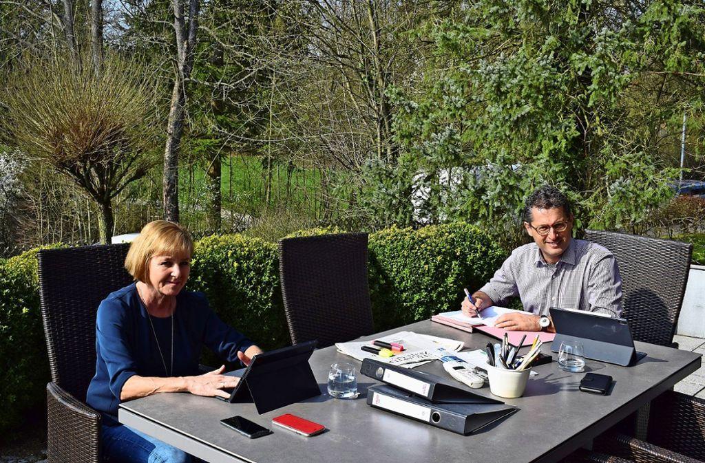 Bürgermeister Michael Lutz und seine Frau müssen derzeit von zu Hause aus arbeiten. Foto: Claudia Barner