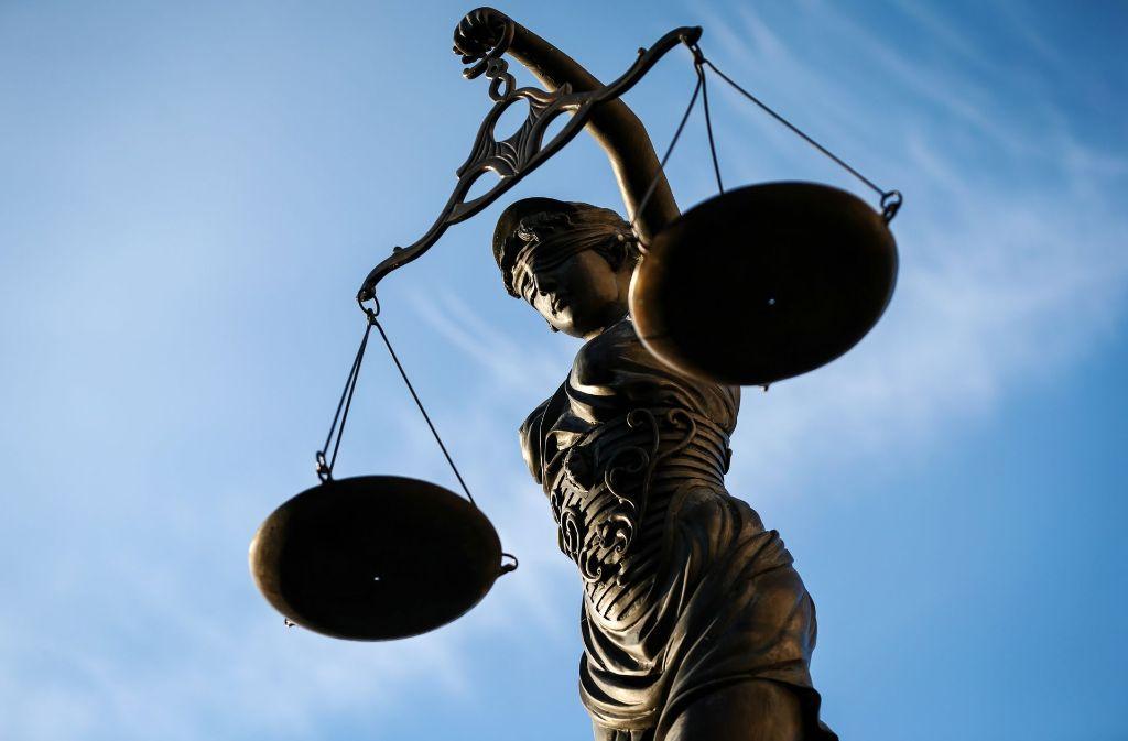 Mühsame Gerechtigkeit: mit Wirtschaftsdelikten tut sich die Justiz oft schwer. Foto: dpa