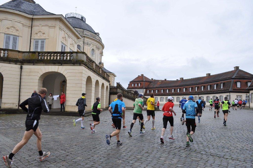 Läufer geben alles beim 29. Solitudelauf in Stuttgart und Gerlingen. Foto: Andreas Rosar Fotoagentur-Stuttgart