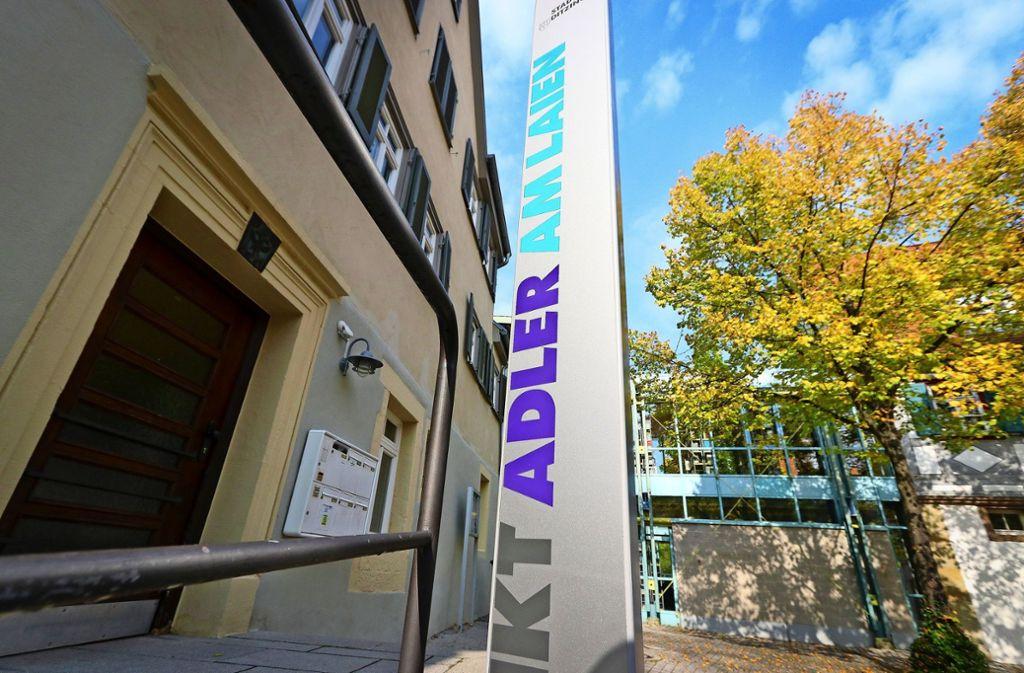 Das Gebäude beim Rathaus ist zu einem  festen Treff geworden. Foto: factum//Simon Granville