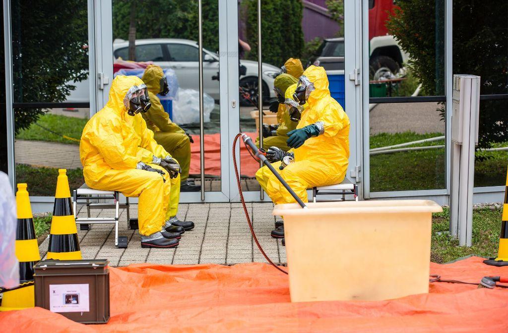 Auch am Tag danach ist Schutzkleidung Pflicht. Foto: KS-Images.de