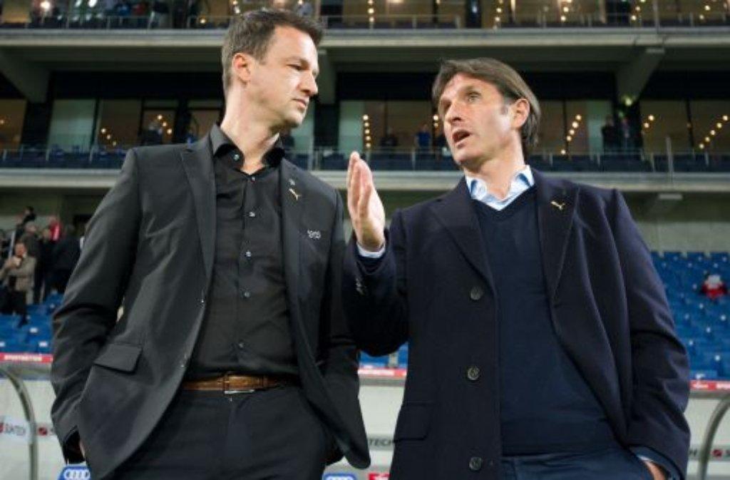 Trainer Bruno Labbadia (rechts) und Sportdirektor Fredi Bobic legen das Hauptaugenmerk klar auf die Bundesliga. Deshalb wird wohl ... Foto: dpa