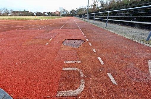 Stolperfalle: Das Breitwiesenstadion bekommt neue Laufbahnen. Foto: factum/Granville