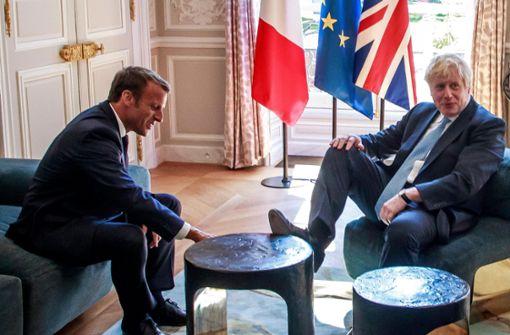 Hat Boris Johnson wirklich seinen Fuß auf den Tisch gestellt?