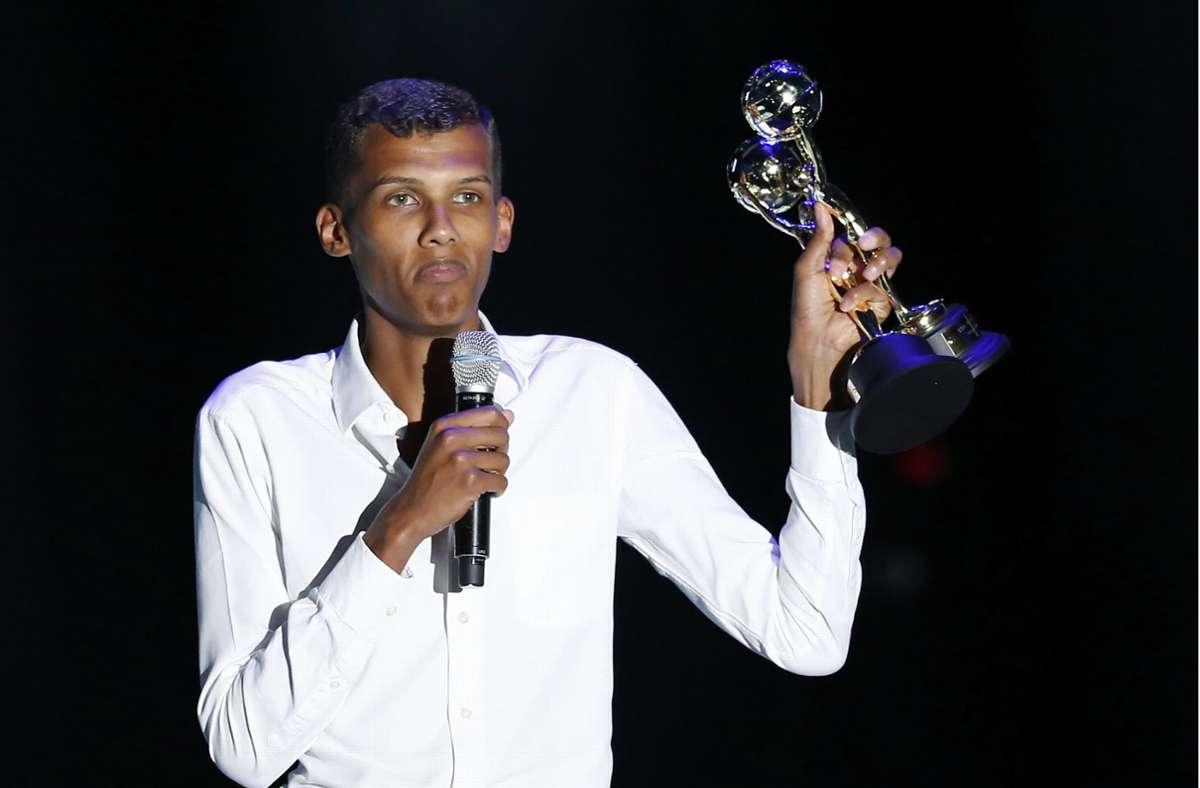 Der Sänger Stromae bei einer Preisverleihung im Jahr 2014. Nach acht Jahren kündigt der Belgier ein neues Album an. Foto: dpa/Sebastien Nogier