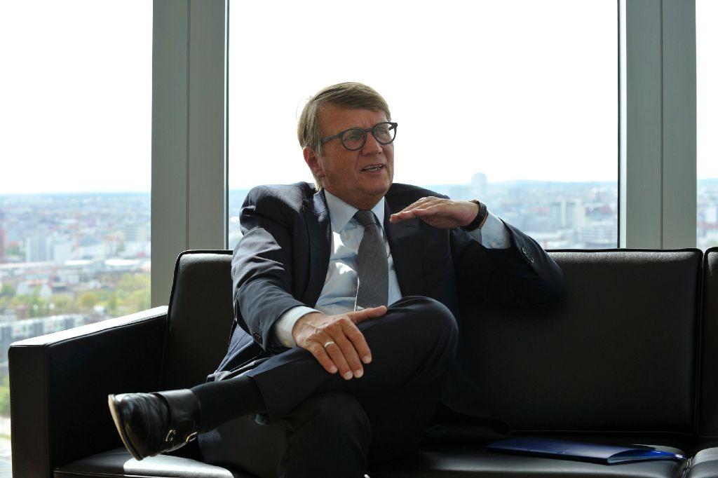 Ronald Pofalla äußert sich nicht zu Alternativideen der S-21-Gegner. Foto: Lipicom/Michael Ebner
