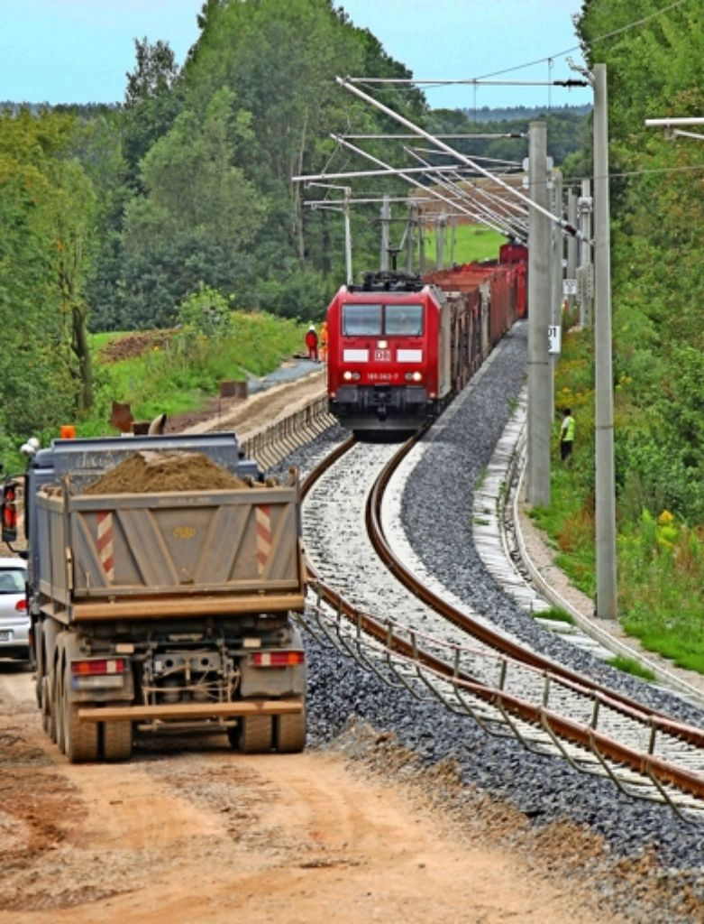 Ein Großteil des S-21-Erdaushubs wird per Zug nach Ostdeutschland gefahren. Foto: