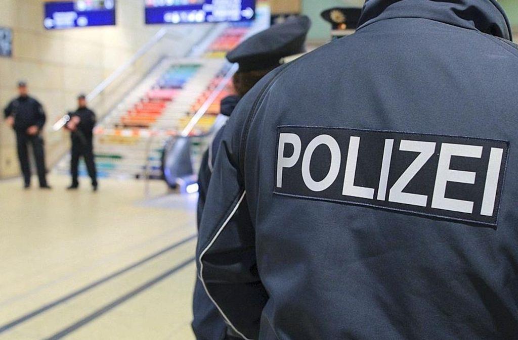 Polizeipräsenz in der Innenstadt zeigt durchaus Wirkung. Foto: dpa