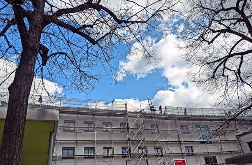 Schulschließung im Raitelsberg wird für ein neues Dach genutzt