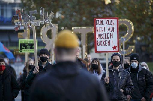 Wahlbüro von Frank Nopper mit gefälschten Plakaten beklebt
