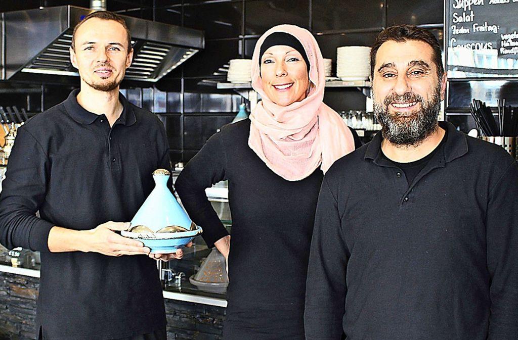 Mosaik-Chef Philipp Nürk, Vanessa Hohl und Jalal Al-Khalil (v.l.) Foto: Caroline Holowiecki/cki