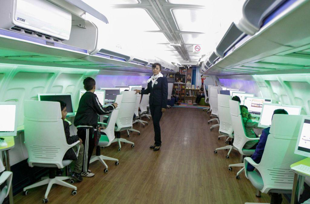 Bald soll es in Mexiko-Stadt sogar noch ein zweites Flugzeug als Bücherei geben und eine auf einem Schiff. Foto: dpa/Romina Solis