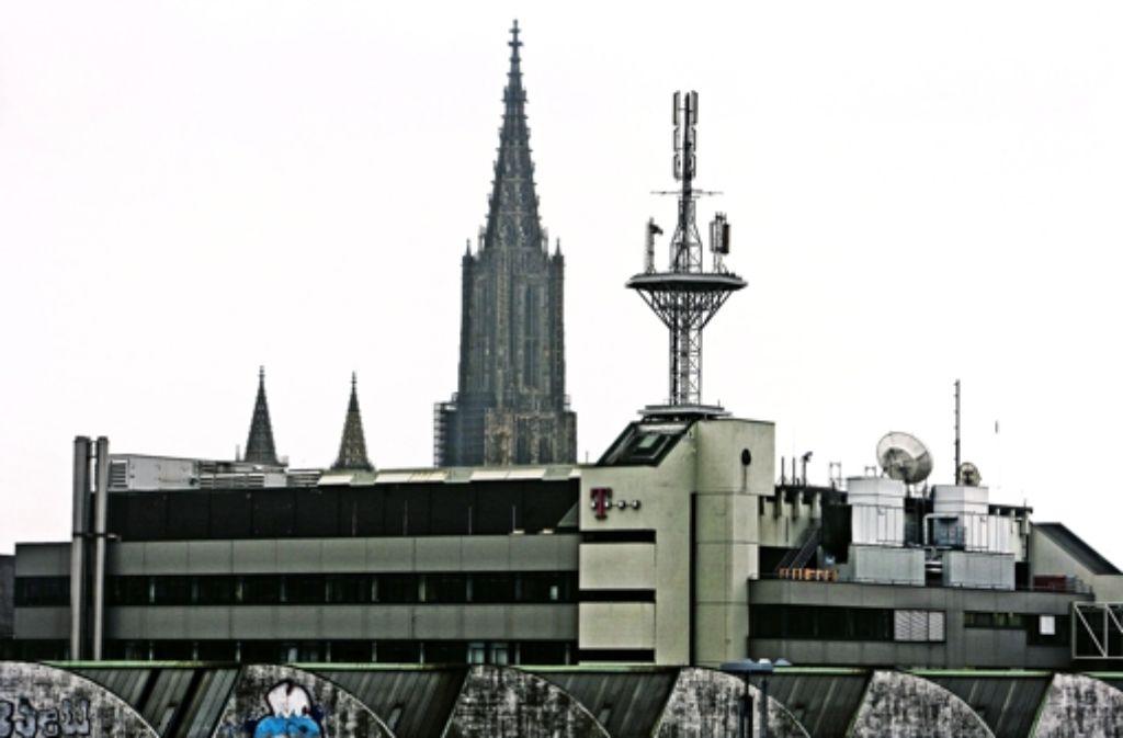 Das Telekomgebäude in Ulm: die Quelle der Legionelleninfektion 2009 war ein neu gebautes Rückkühlwerk zur Klimatisierung des Telekom-Gebäudes Foto: Heiss