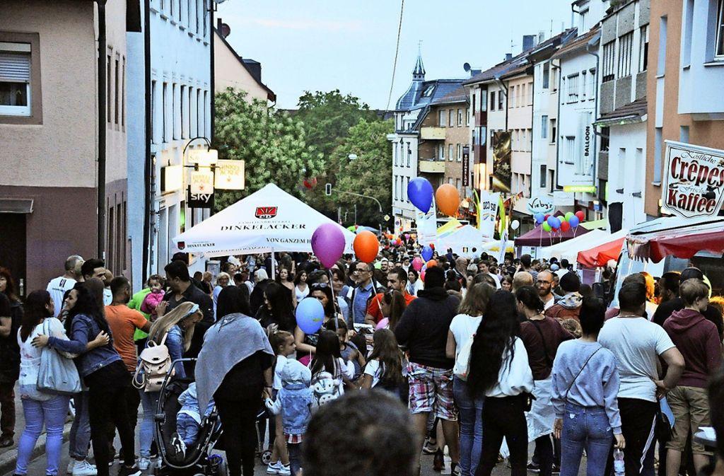 Die Gablenberger Hauptstraße wird zur großen Flaniermeile. Foto:
