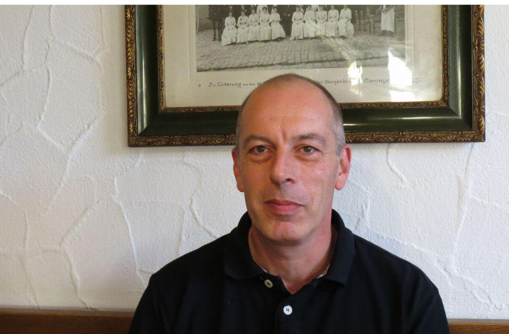Seit 1996 ist Walter Stoll der Chef des Betriebs an der Bernhauser Straße 9. Foto: Julia Bosch