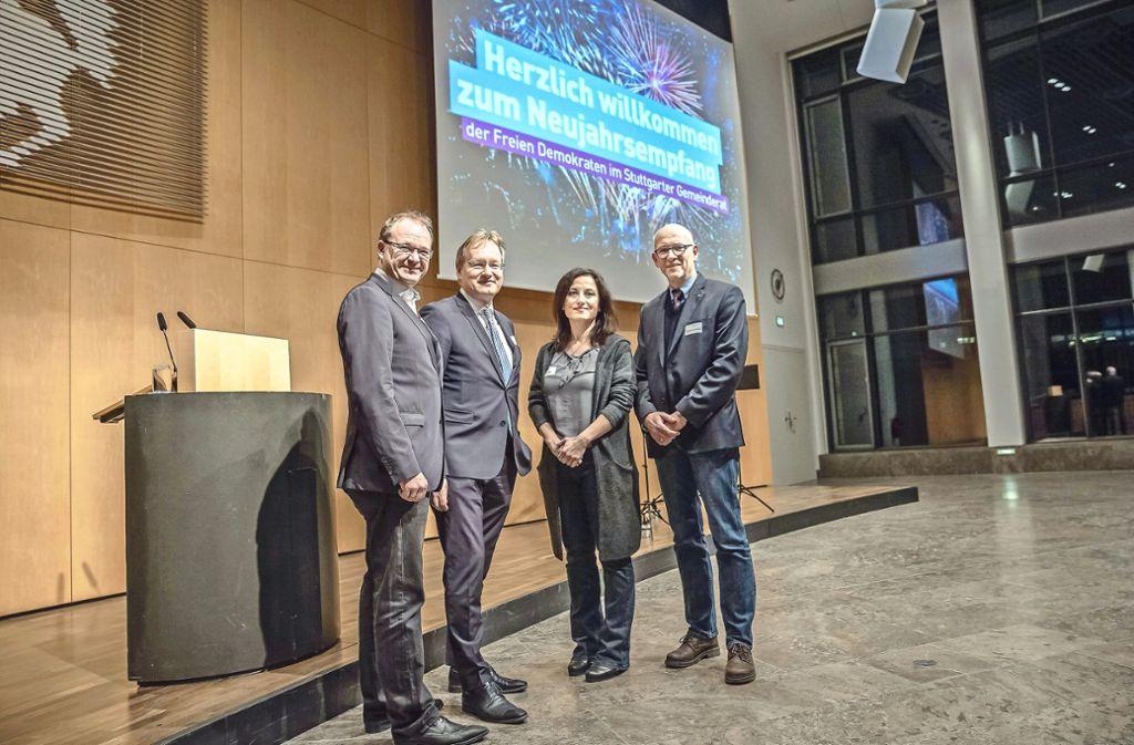 Liberales Stadtratstrio mit Gast Johannes Schmalzl (2. von links) Foto: Lichtgut/Julian Rettig