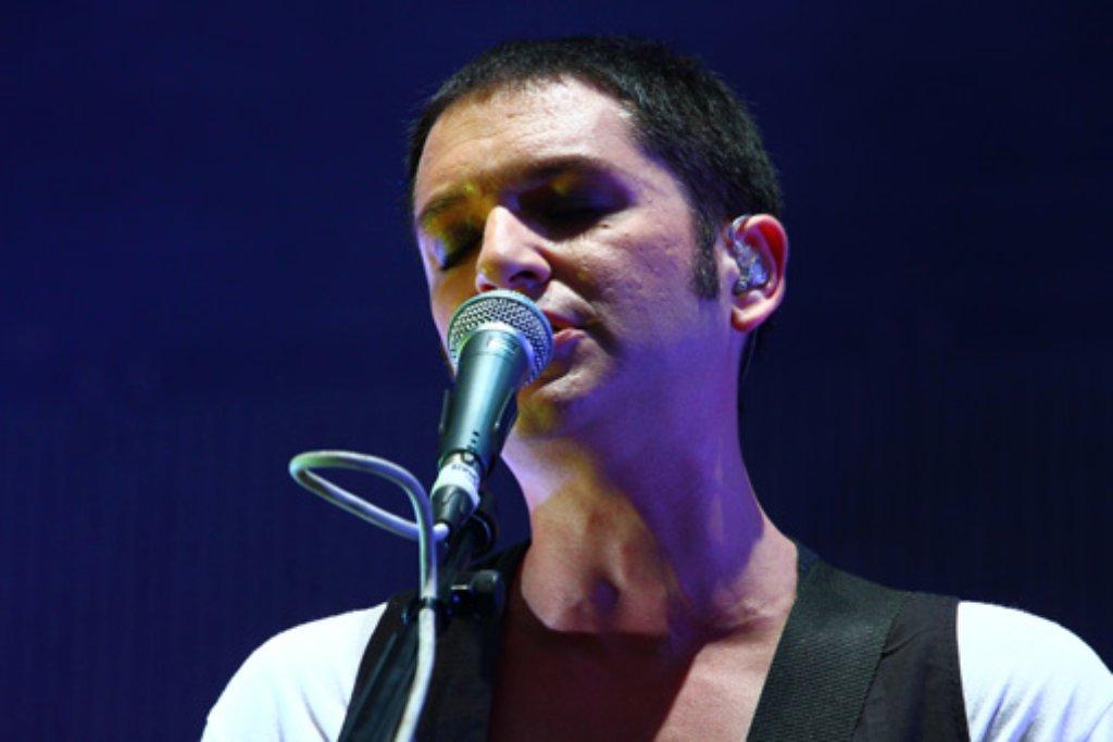 Placebo-Sänger Brian Molko beim Konzert auf dem Schlossplatz. Foto: Christof Elben