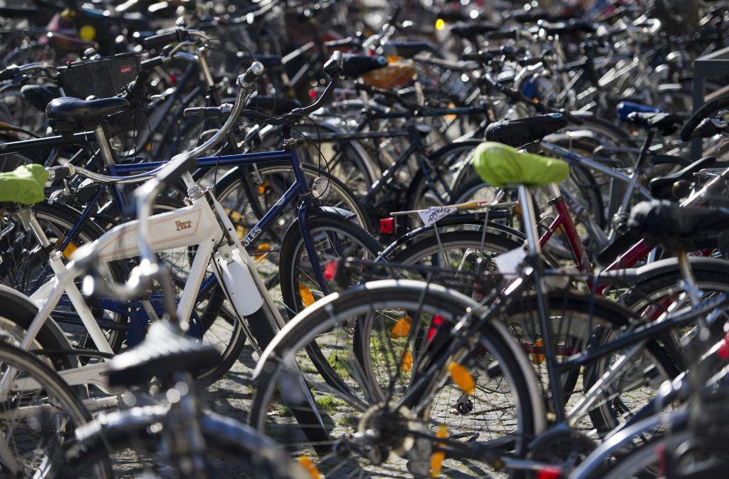 Erst Umdenken, dann Umsteigen: Stuttgarter Forscher wollen das Radfahren attraktiver machen. Foto: dpa