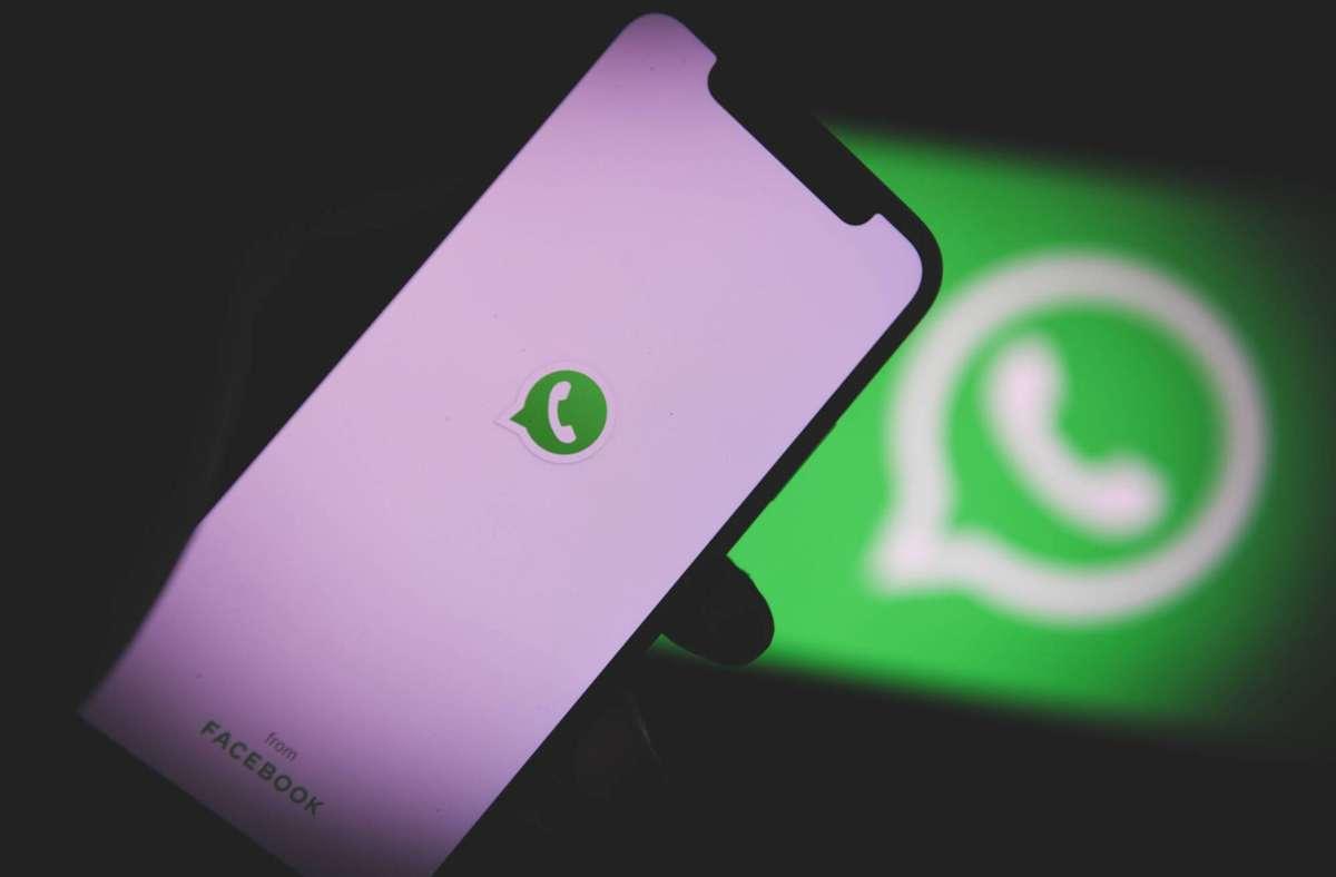 WhatsApp führt eine neue Funktion ein, mit der sich Nachrichten nach sieben Tagen selbst löschen. (Symbolbild) Foto: imago images/onw-images