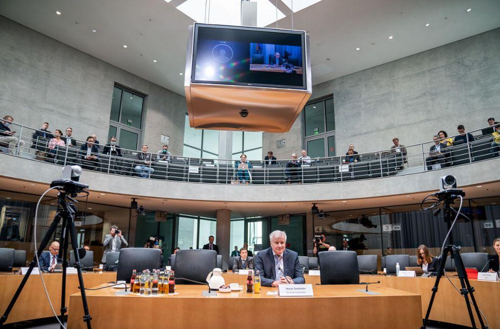 Der frühere CSU-Chef, heute nur noch Bundesinnenminister, ist am Donnerstag vom Maut-Untersuchungsausschuss als Zeuge vorgeladen worden. Foto: dpa/Michael Kappeler