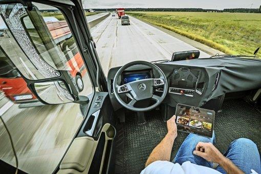 Mit gemischten Gefühlen  sieht der Landesdatenschützer das autonome Fahren: die dabei gesammelten Daten müssten möglichst  früh anonymisiert werden. Foto: dpa