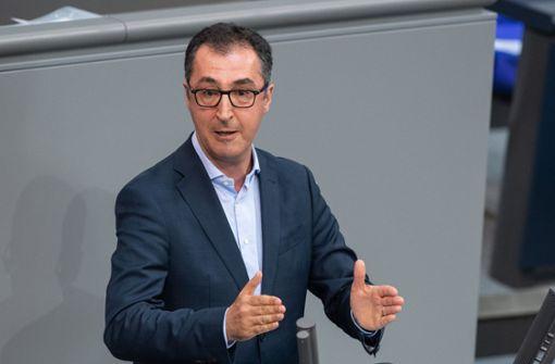 Özdemir fordert Innenminister auf, aufzuräumen