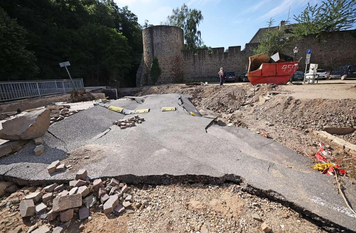 Das Hochwasser hat nicht nur in der Eifel große Schäden angerichtet. Foto: dpa/Oliver Berg