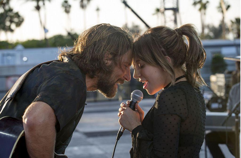 """Gelingt  """"A Star is Born"""" die Nominierung zum besten Film? Oscar-Chancen haben auch die Hauptdarsteller Bradley Cooper und Lady Gaga. Foto: Warner Bros. Entertainment"""