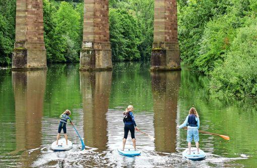 Naturnahe Flussfahrt im Stehen