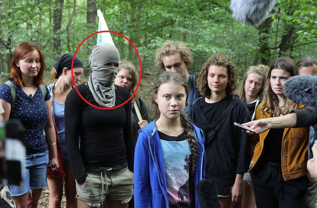 Am Wochenende hat Greta Thunberg den Hambacher Forst besucht. Dabei ist dieses Foto entstanden, das nun für Diskussionen sorgt. Foto: dpa