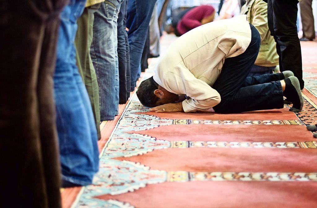 Wann die muslimischen Gläubigen das erste Mal in der Moschee in Oberaichen beten könnten, ist derzeit unklar. Foto: dpa