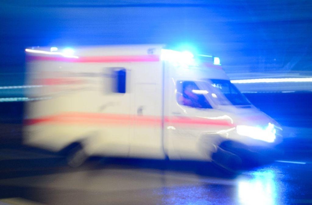 Der Senior kam mit schweren Verletzungen ins Krankenhaus. Foto: Symbolbild/dpa