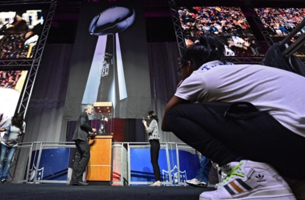 Der Super Bowl begeistert die Sportfans weltweit. Foto: EPA