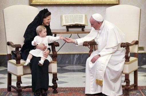 Leonore und der Papst verstehen sich prächtig